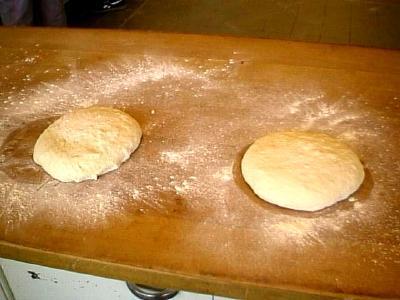 deux pâtons en poids égaux